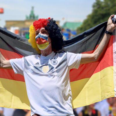 MedLOG BRD Flagge Mund - Nasenschutz OP-Maske Fanmeile